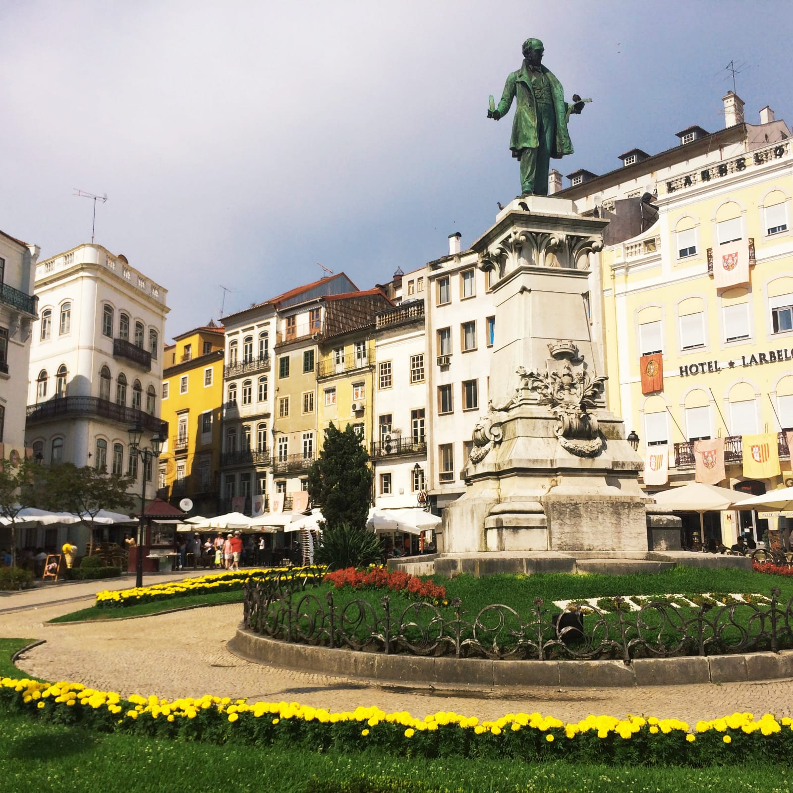 largodaportagem-statue-joaquimantóniodeaguiar-visitercoimbra-portugal-tourisme
