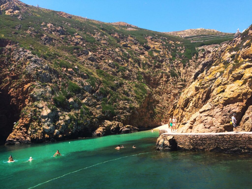 plageberlengas-peniche-portugal-praiadocarreirodomosteiro