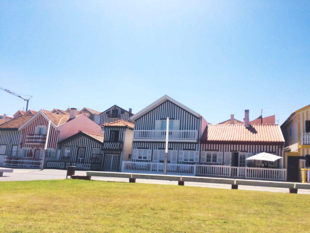 visitercostanovadoprado-casaslistradas-maisonsrayees-plagetouristique-portugal