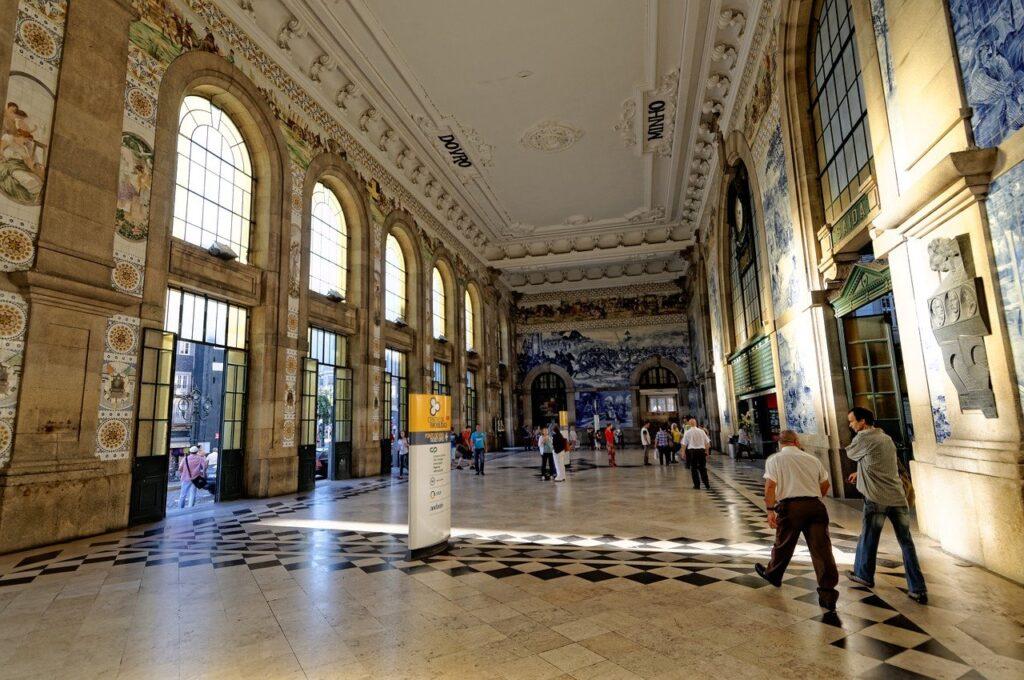 visiter-gare-du-porto-estacao-ferroviara-sao-beto-porto-portugal