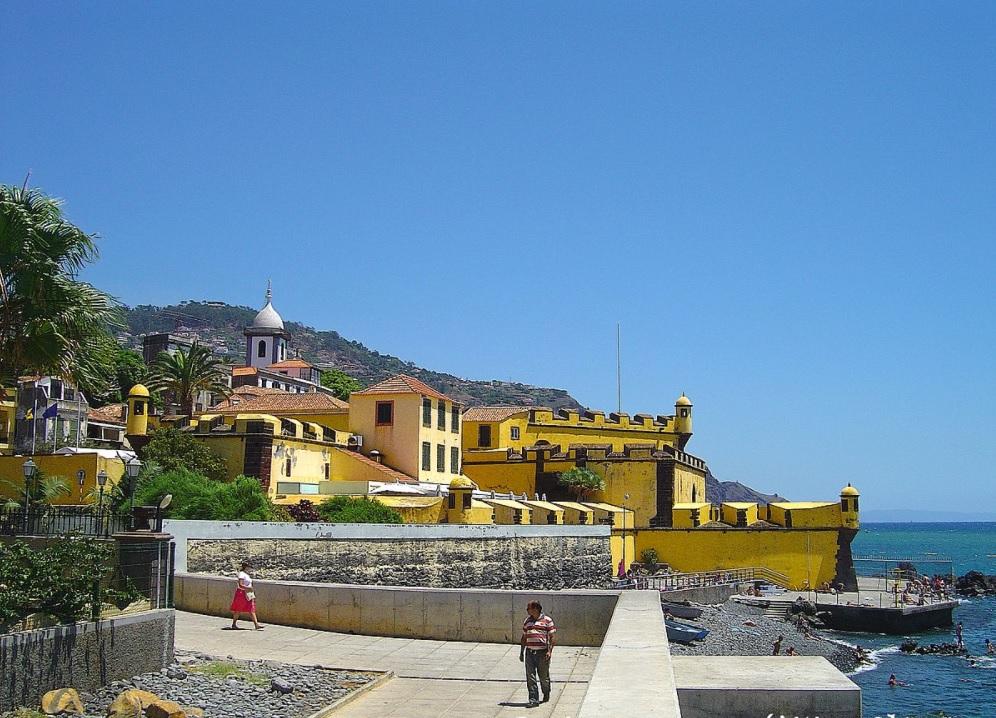 visiter-ilha-da-madeira-Forte de São Tiago-Funchal-portugal-tourisme