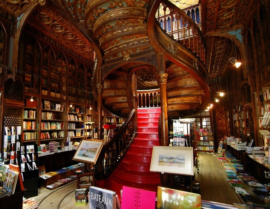 visiter-librairie-lello-porto-portugal-tourisme